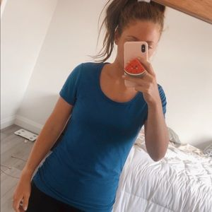 Comfy Lole Workout Tee w Flattering Ruching